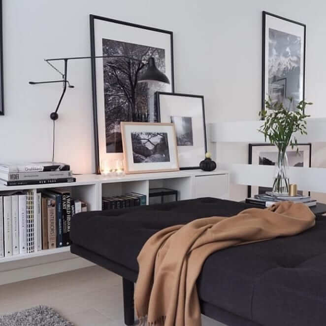 33+  Dark Homes, black interior design decoration with light as the axis.