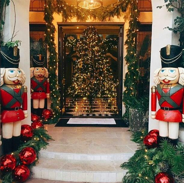 100+ Creative Ideas For Christmas Home Decor #HomeDecor #Christmas #HomeIdea #Decor